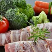 Gesundes Gemüse und Fleisch bei der 17 Tage Diät