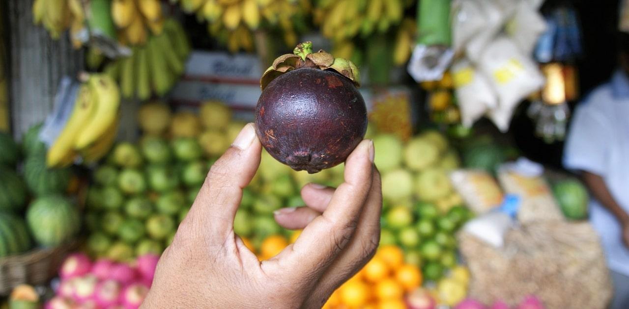 Es gibt spezielle Mangostan Produkte in der Apotheke – unter anderem Tee.